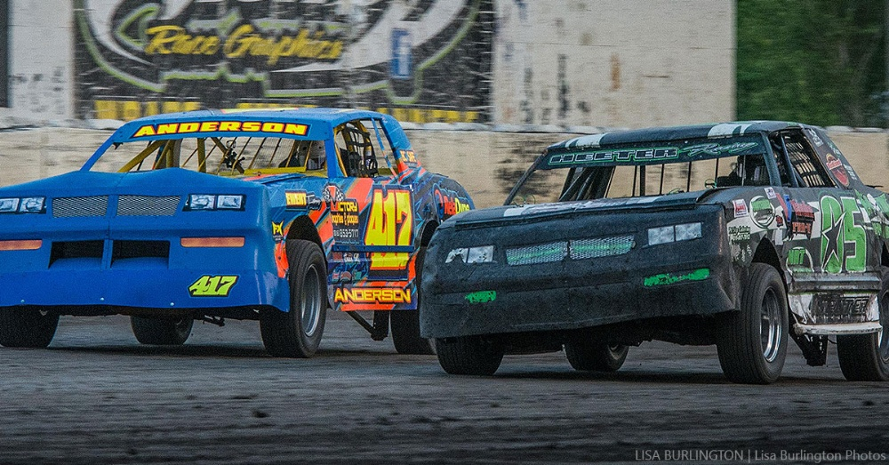 Kevin Anderson (417) holds a slight advantage over defending track champion Brett Heeter (05) in the Holley USRA Stock Car points battle.